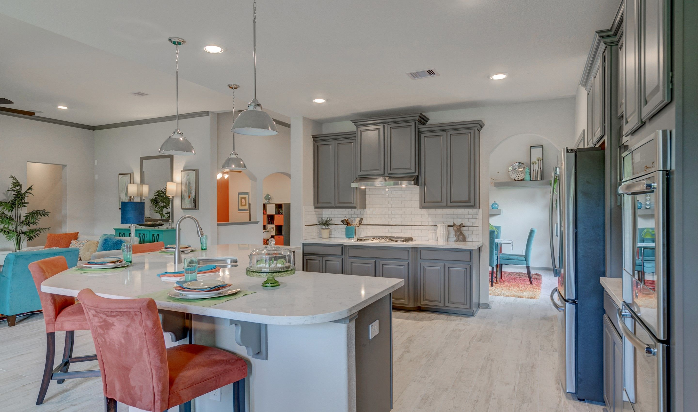Kitchen-in-Hayden-at-Woodshore-in-Clute
