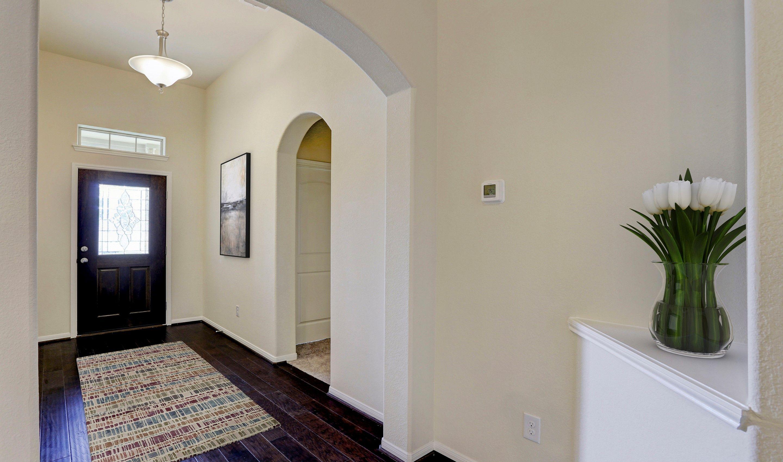 Foyer-in-Juniper II-at-Woodshore-in-Clute