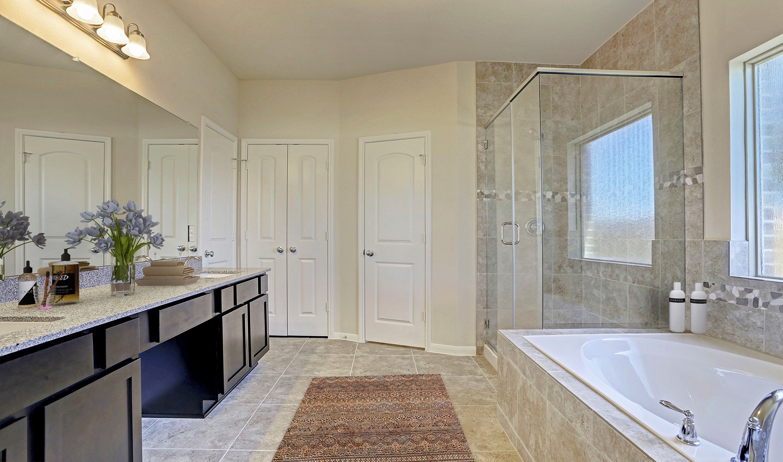 Bathroom-in-Juniper II-at-Woodshore-in-Clute