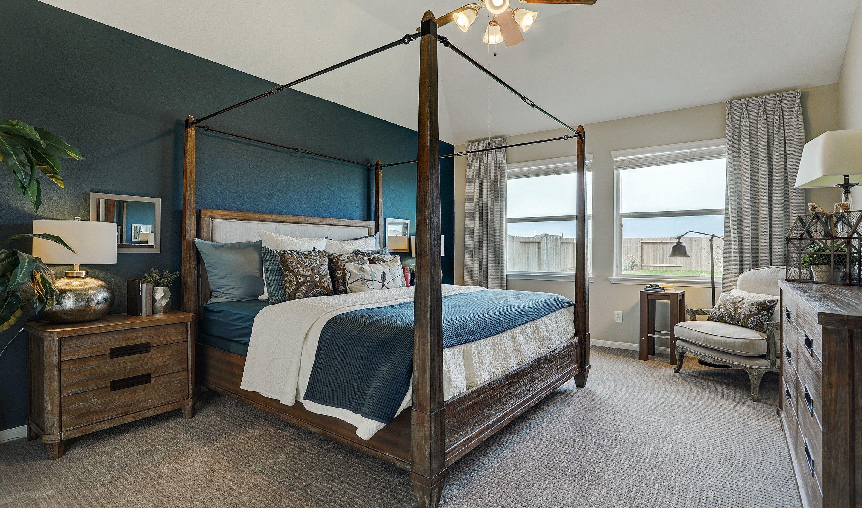 Bedroom-in-Willard II-at-Woodshore-in-Clute