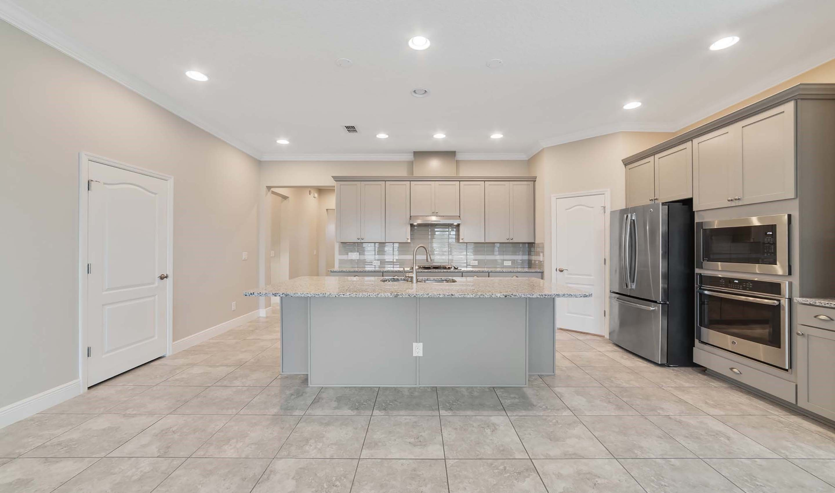 Kitchen-in-Sherrington-at-Hilltop Reserve-in-Apopka