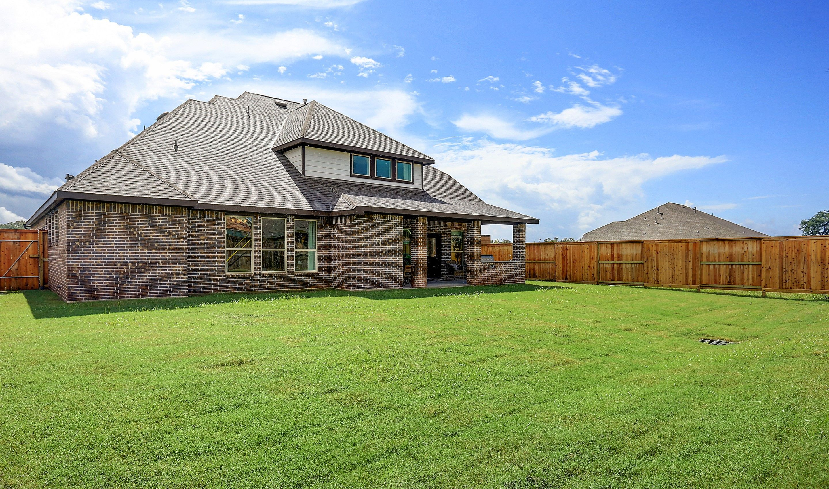 Rear-Design-in-Millie-at-Woodshore-in-Clute
