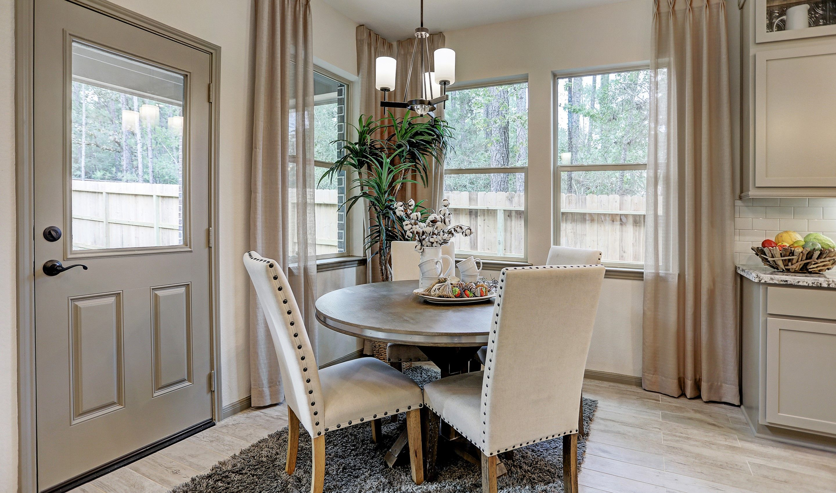 Breakfast-Room-in-Walton II-at-Woodshore-in-Clute