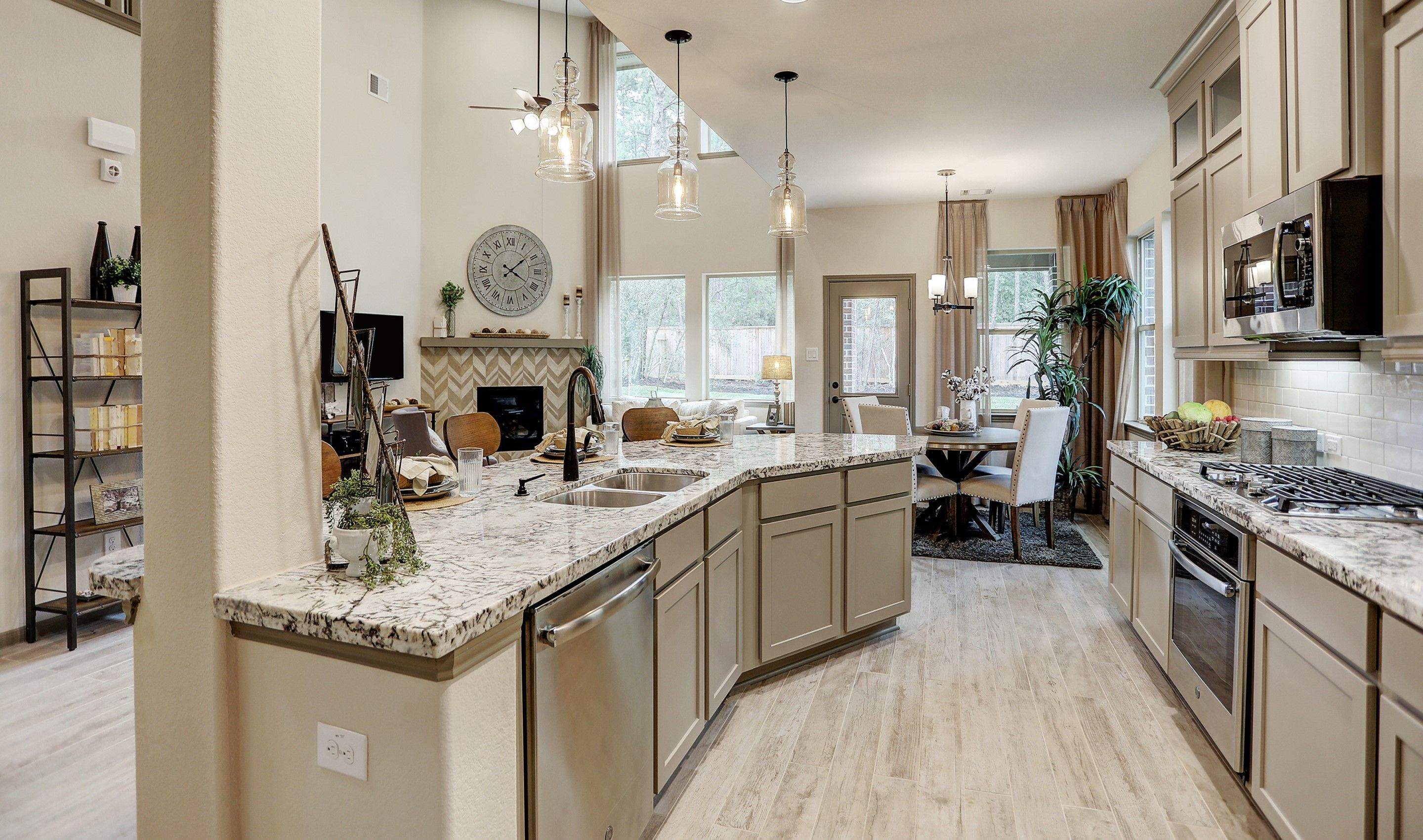 Kitchen-in-Walton II-at-Woodshore-in-Clute