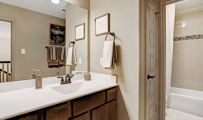 Bathroom-in-Walton II-at-Woodshore-in-Clute