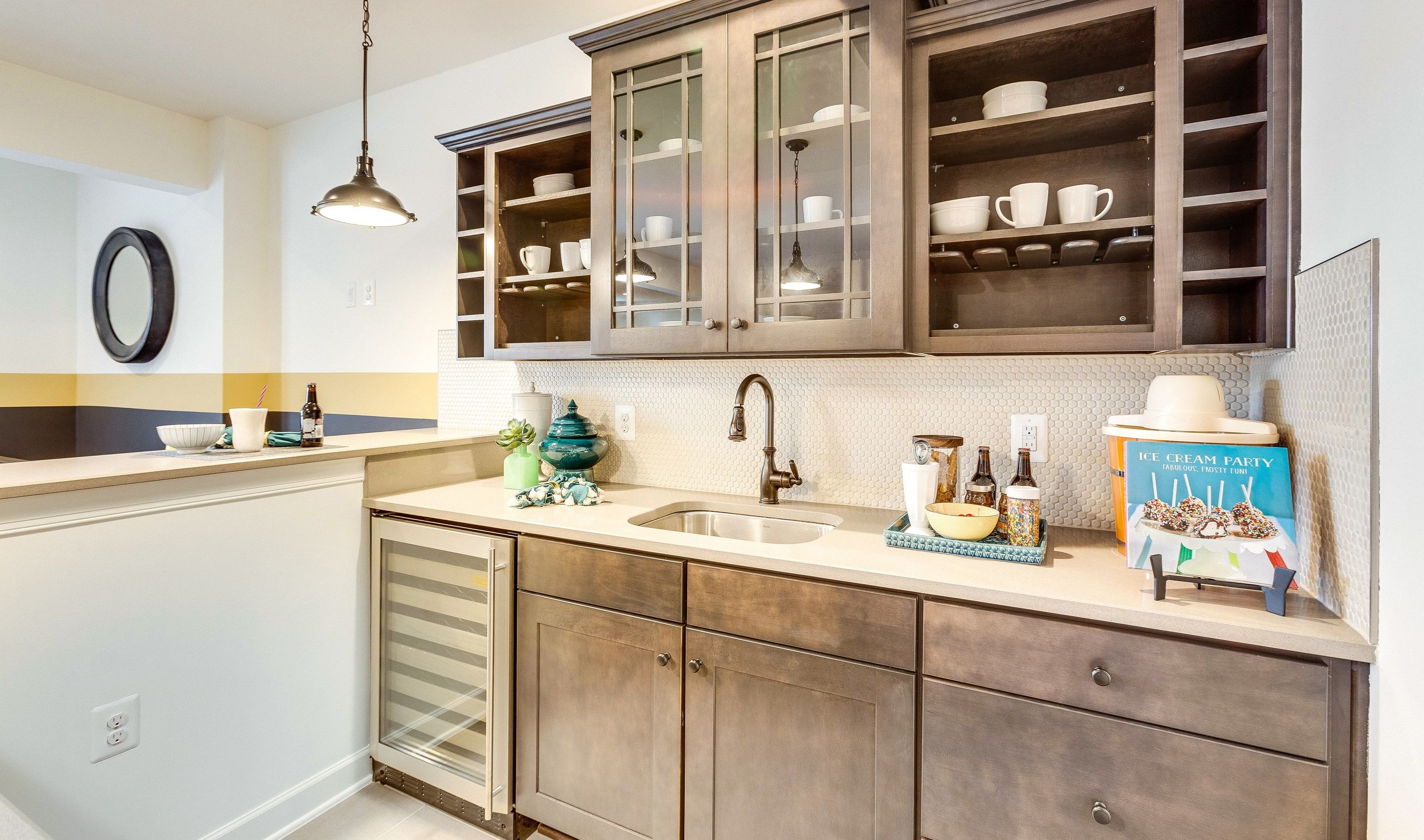 Wet-Bar-in-Colorado II-at-Melody Farms-in-Chantilly