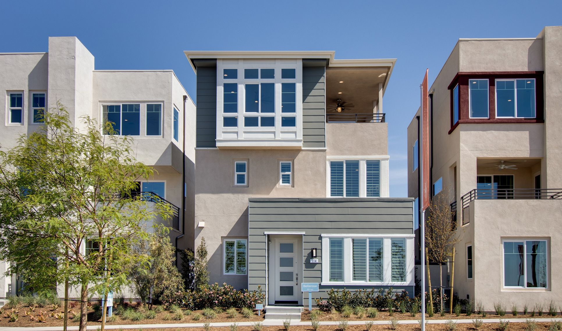 Exterior:Bellerose Abstract Traditional