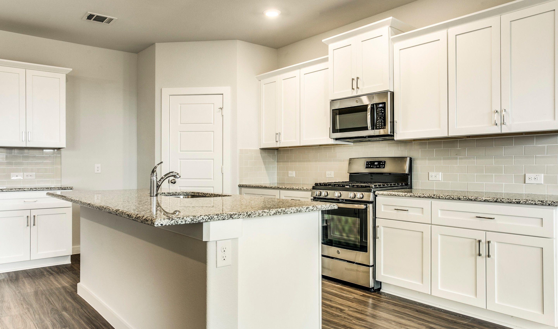 Kitchen Design Ideas in Haslet | 2410 Pictures | HomLuv