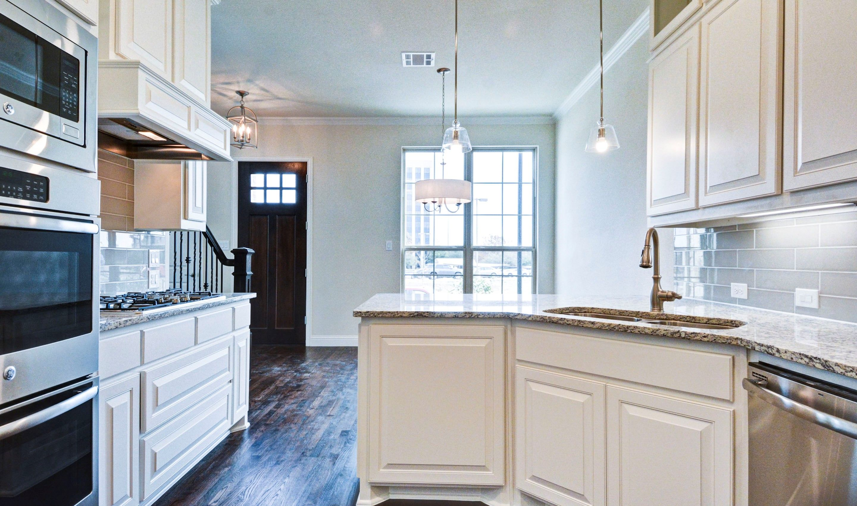 Kitchen-in-Glenchester II-at-Palisades-in-Richardson