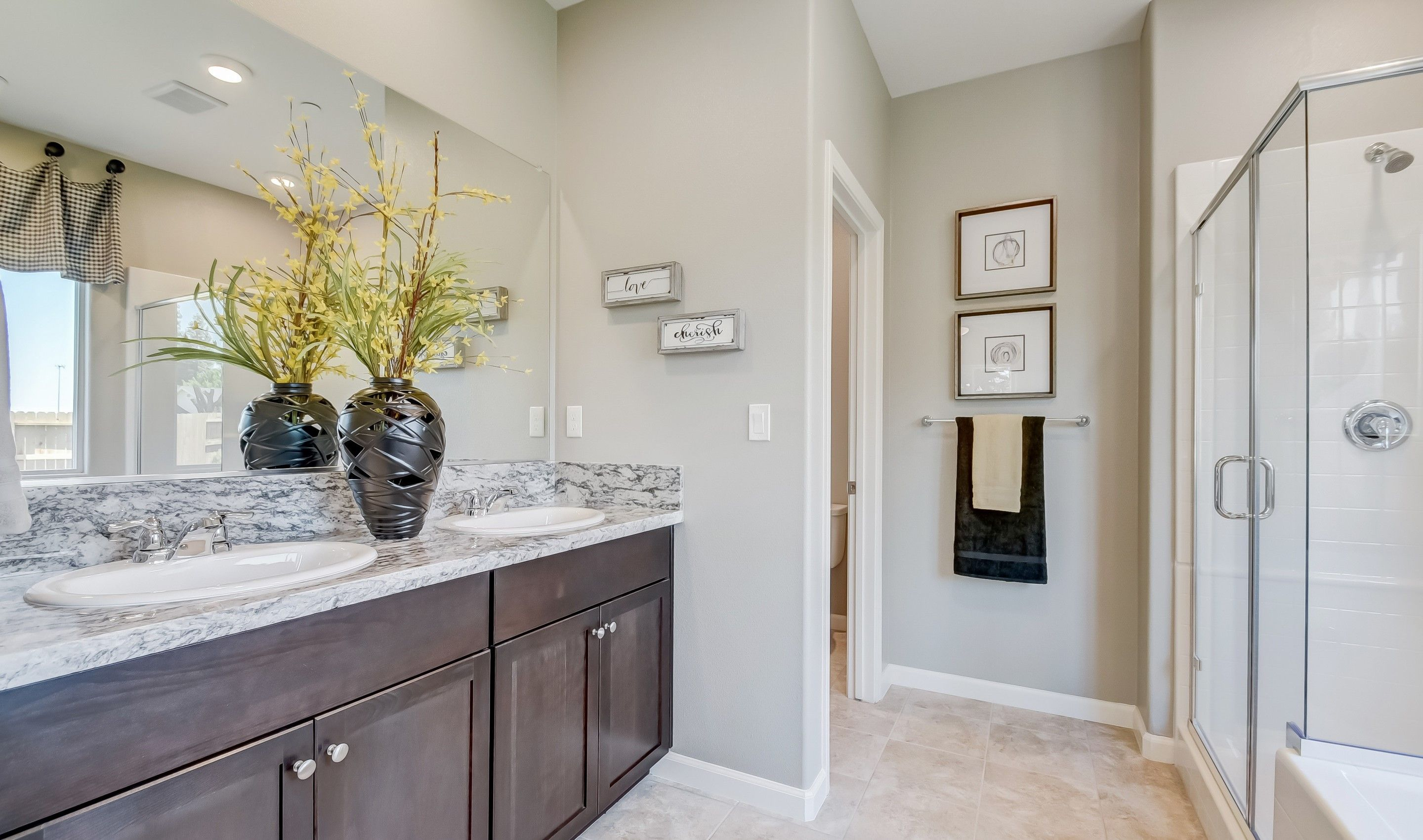 Bathroom featured in the Paso Fino By K. Hovnanian® Homes in Fresno, CA