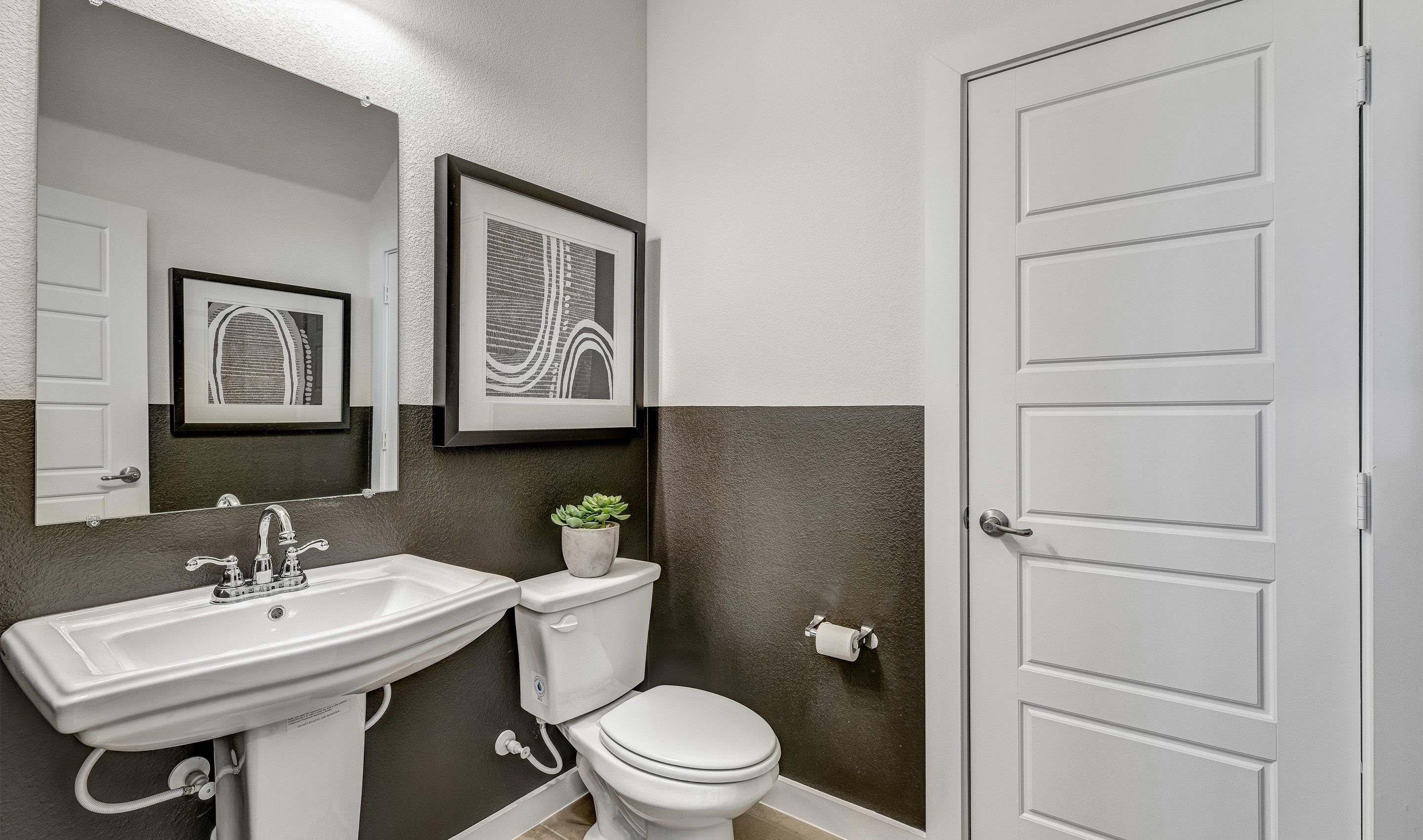 Bathroom featured in the Brookstone IV By K. Hovnanian® Homes in Dallas, TX