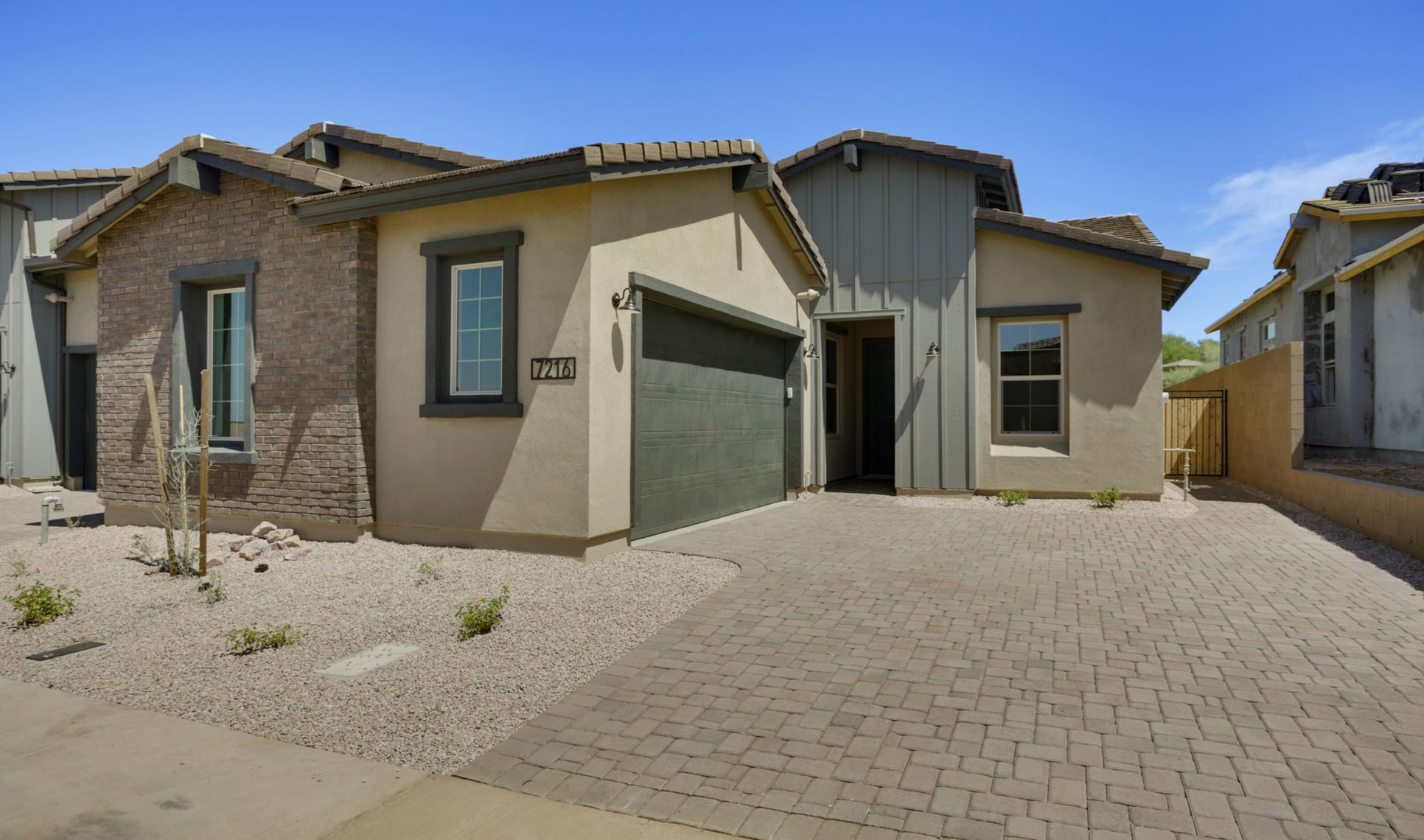 Exterior:Ascent Desert Modern Ranch with Capstone
