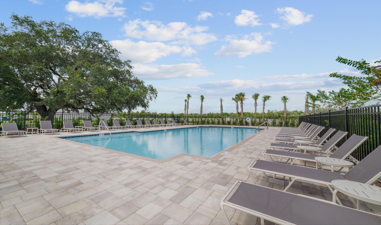 'Sola Vista' by KHV-Orlando in Orlando