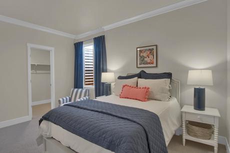 Bedroom-in-Mackintosh-at-Cordera-in-Colorado Springs