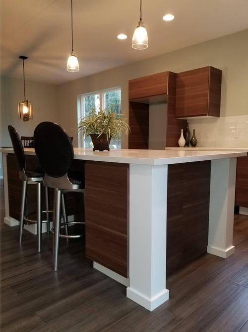 Wet-Bar-in-Contemporary Style 1-at-Quail Gardens Place-in-Hillsboro