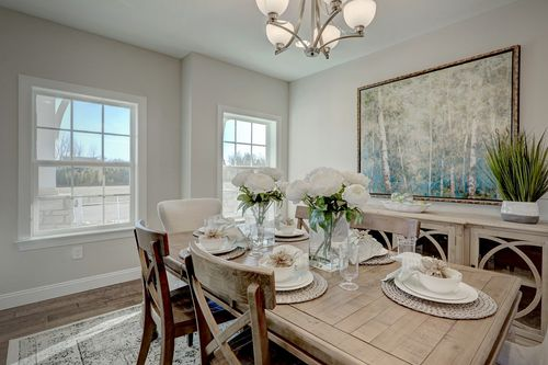 Dining-in-Windsor Bordeaux-at-Marley Woods-in-Elkton