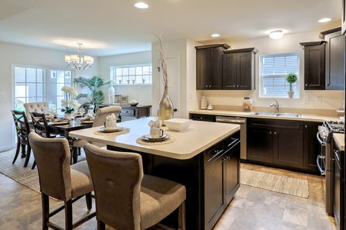 Kitchen-in-Andrews Traditional-at-Buckingham Preserve-in-Douglassville