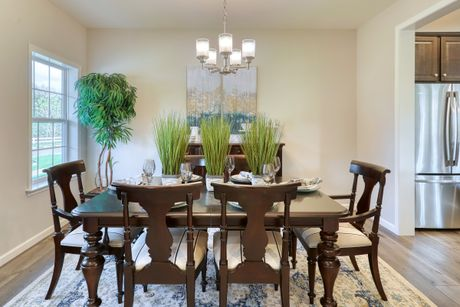Dining-in-Wyndham Traditional-at-Sadsbury Park-in-Coatesville