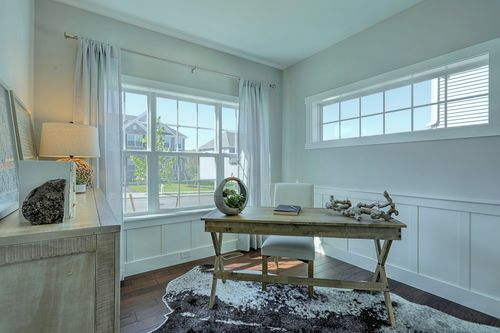 Study-in-Andrews Vintage-at-The Views at Laurel Vistas-in-Windsor
