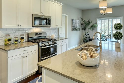 Kitchen-in-Covington Manor-at-London Croft-in-Annville