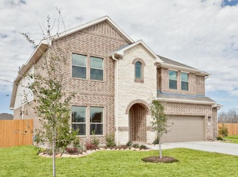 Exterior featured in The Ashley By Kinsmen Homes  in Beaumont, TX