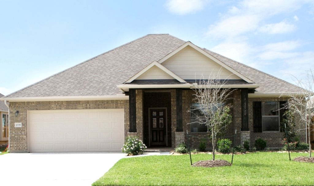 Exterior featured in The Lorraine By Kinsmen Homes  in Beaumont, TX