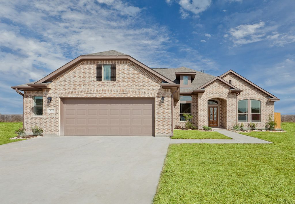 Exterior featured in The Shea By Kinsmen Homes  in Beaumont, TX