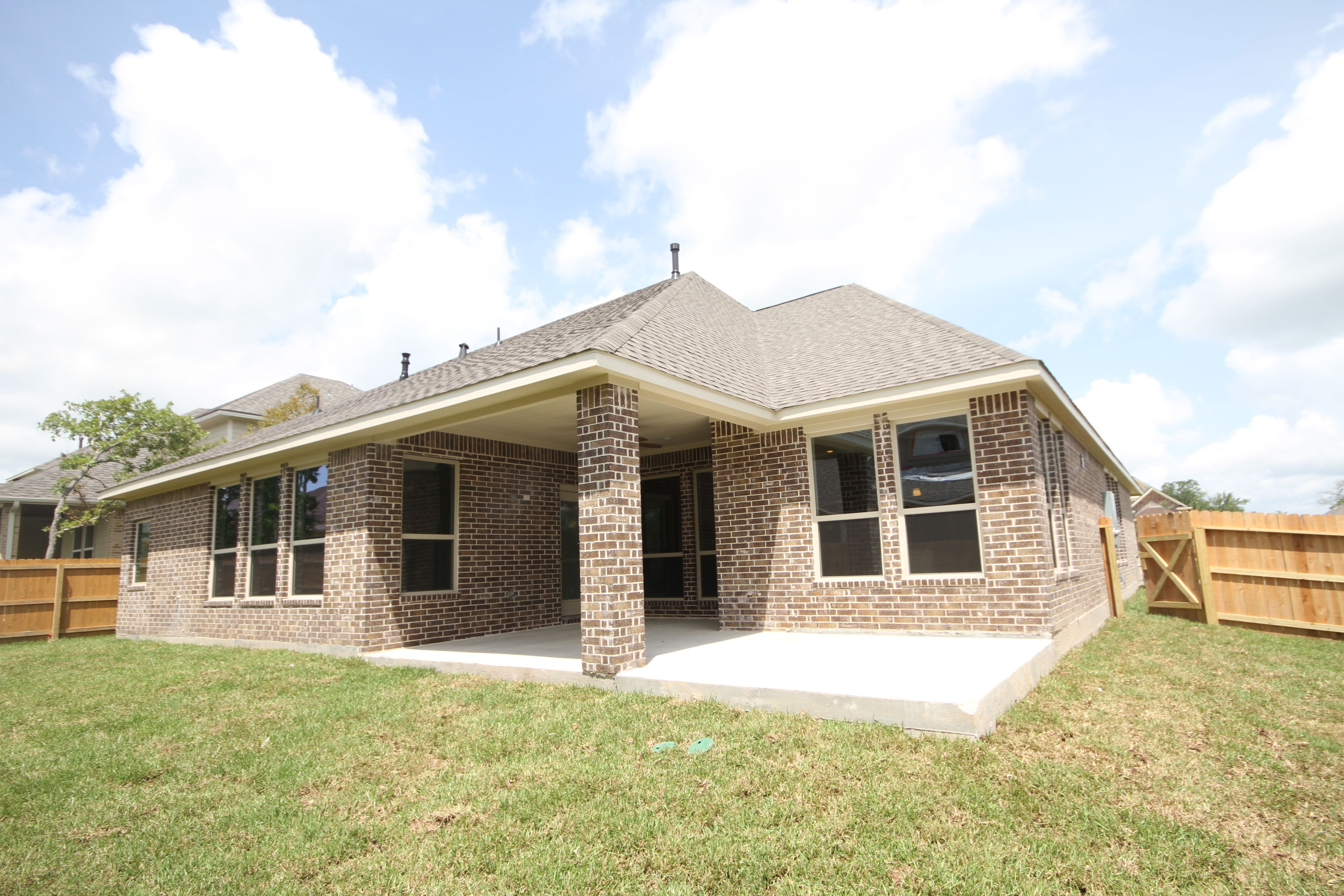 Exterior featured in The Rebecca By Kinsmen Homes  in Beaumont, TX