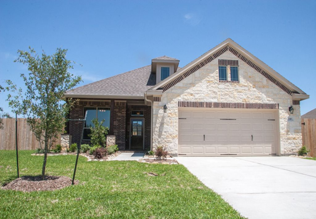Exterior featured in The Rene By Kinsmen Homes  in Beaumont, TX