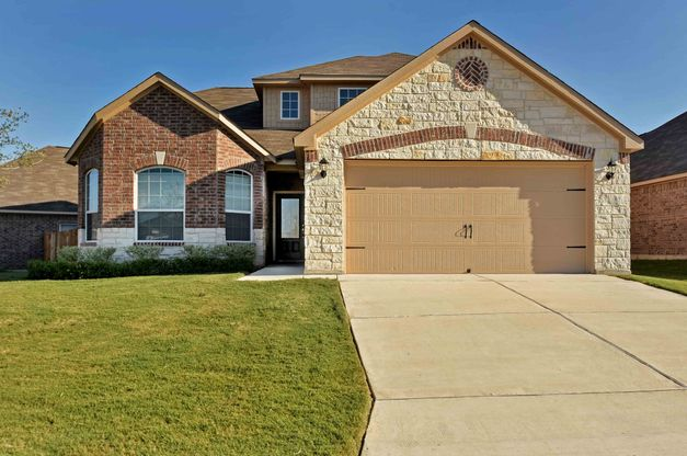 LGI Homes at Luckey Ranch:The Gorgeous Huron plan is one of the several floor plans available at Luckey Ranch!