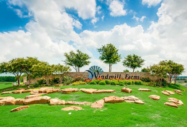 LGI Homes at Windmill Farms:Gorgeous, Master-Planned Community with Exceptional Homes