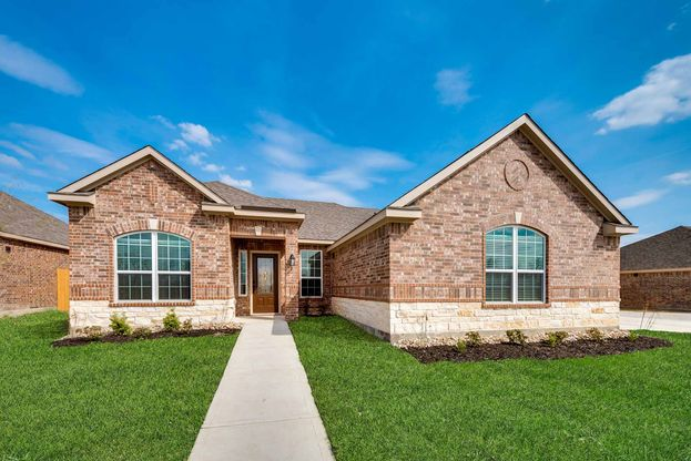 The Comal by LGI Homes:A spacious one-story home with exceptional layout and upgrades!