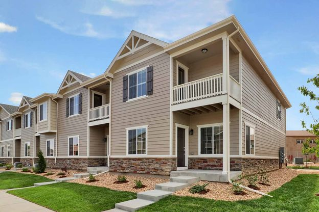 LGI Homes at Sienna Park:Charming townhomes with over $10k in upgrades are now available!
