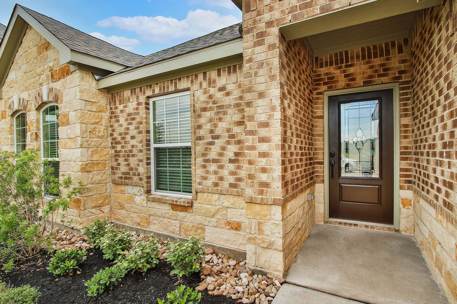 Exterior featured in the Hendrie  By LGI Homes in Houston, TX