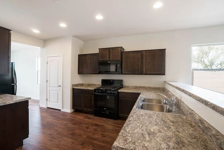 Kitchen-in-Bisbee-at-Rancho Mirage-in-Maricopa