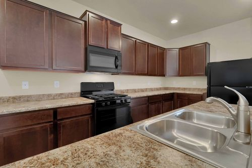 Kitchen-in-Oxford-at-PrairieStar-in-Loveland