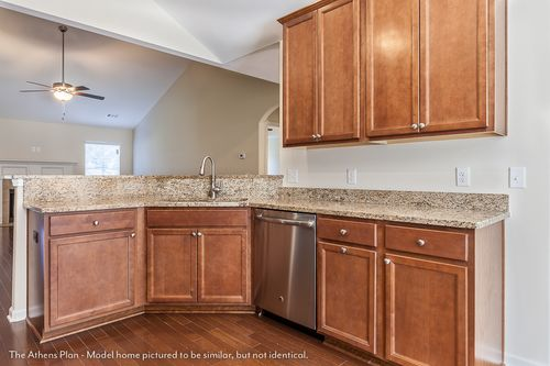 Wet-Bar-in-The Athens-at-Savannah Build On Your Lot-in-Rincon