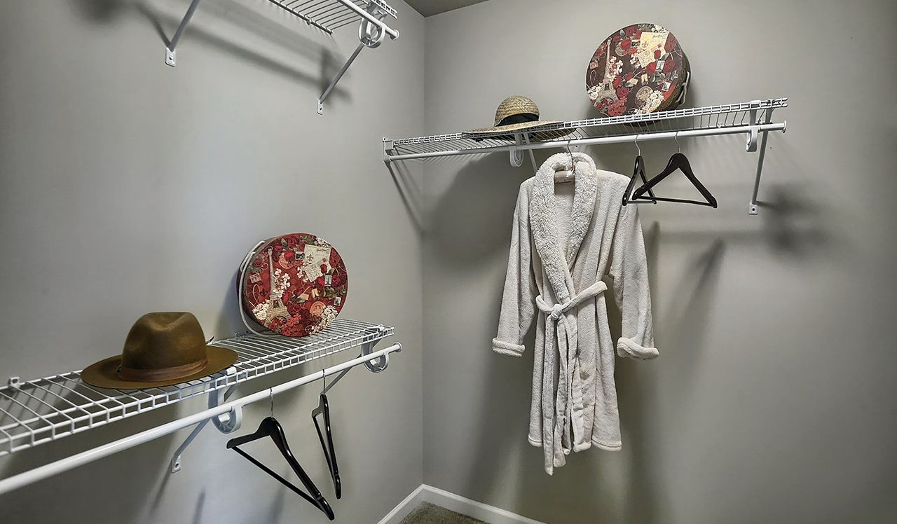 Bainbridge Owner's Closet