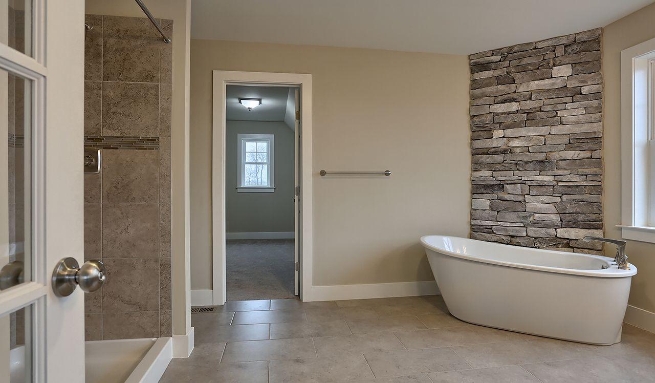 Brookfield Owners Bathroom