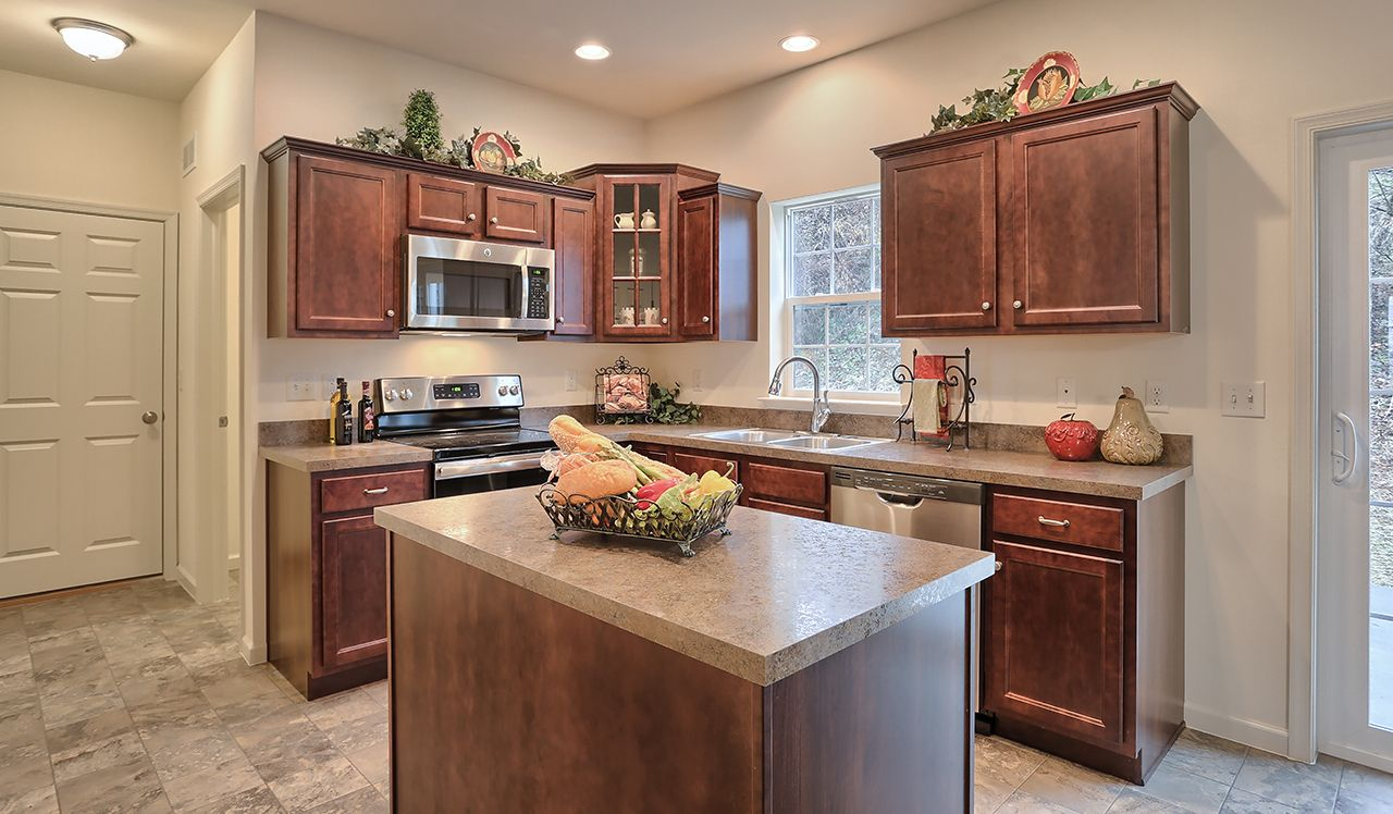 Oakmont Model Kitchen