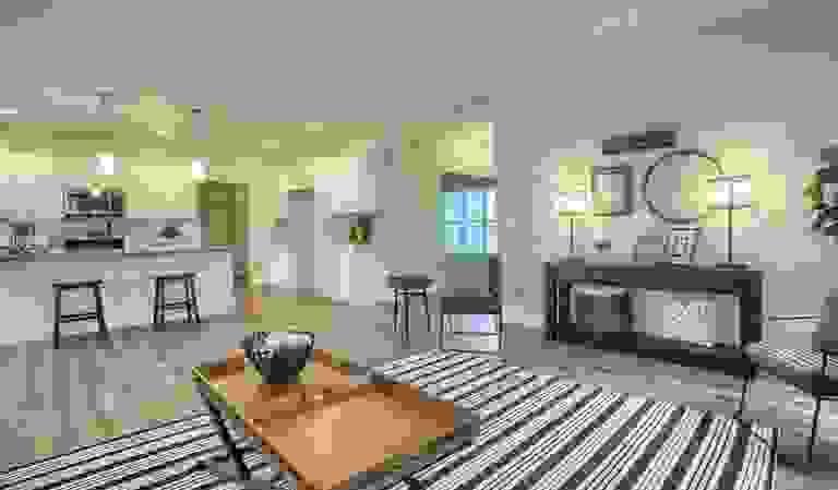 43094830-200403.jpg