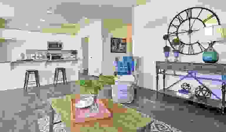 43844047-200519.jpg