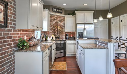 Kitchen-in-Fenmore-at-Sweetbriar 55+ Living-in-Lebanon