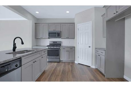 Kitchen-in-Ellsworth-at-Hanbury Court-in-Mechanicsburg