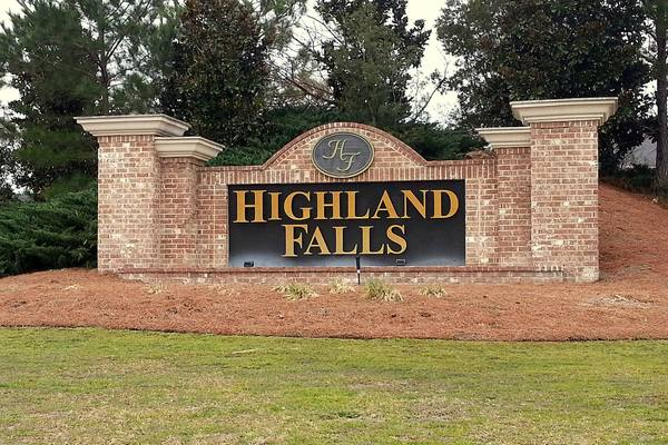 Highland Falls Entry Monument
