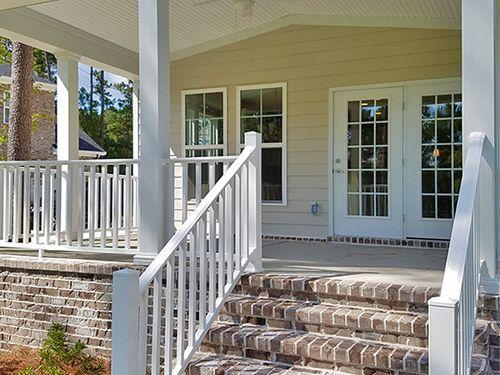 Front-Porch-in-Savannah-at-The Enclave-in-Savannah
