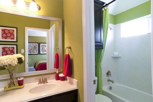 Bathroom-in-Bellagio Collection-at-Hollyhock-in-Frisco