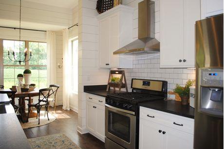 Kitchen-in-Abbington-at-Shaws Creek Reserve-in-Rossville