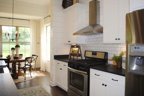 Kitchen-in-Abbington-at-Cross Creek-in-Oakland