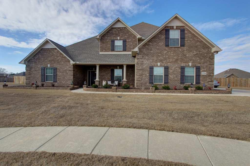 Exterior featured in the Thomasdale C-1 By Legacy Premier Homes  in Huntsville, AL